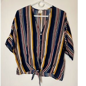 By together sz small tied up blouse